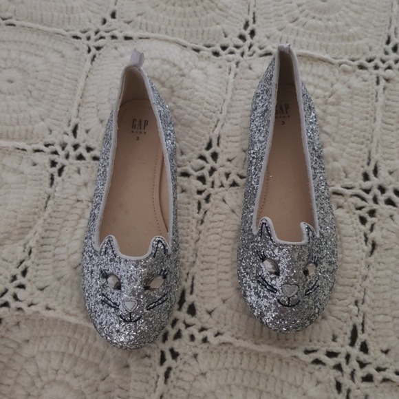 GAP Other - GAP !!!  Kitty Cat Kids Shoes!! Silver Glitter